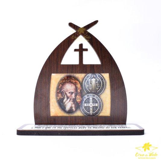 Capela com oração Medalha de São Bento