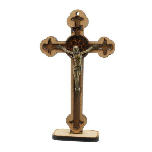 Crucifixo com medalha de São Bento gravada e resinada 16,5cm em MDF
