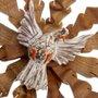 Resplendor do Divino Espírito Santo Ondulado com Pombo Branco em Madeira de Cedro 65x37cm